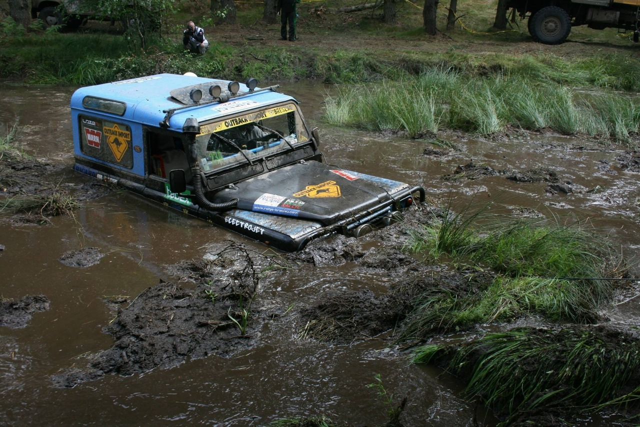 Landrover Mud Plugging